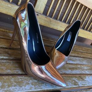 5.5 CAPE ROBBIN ROSE GOLD HEELS